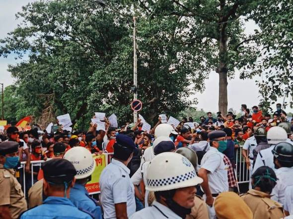 East Bengal fans clash amid protests against club officials